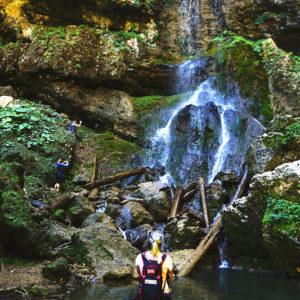Пешая экскурсия к водопадам Университетский и Чинарский, Адыгея